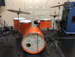 "Custom. Vintage Maple / 22""x15"" BD , 12""x8"" TT , 15""x15"" , 18""x16"" FT (BO)"