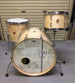 "Custom. Vintage Maple / 22""x15"" BD , 12""x8"" TT , 15""x14"" FT (NMP)"