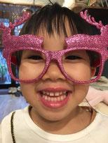 トナカイの眼鏡にご機嫌な妹!