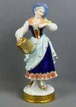 Volkstedter Porzellanfabrik, Porzellanfigur Mädchen mit Vogel, Goldstaffiert, € 280,00