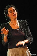 Aurélie Emerit, chanteuse dans le groupe vocal Les Goules Poly
