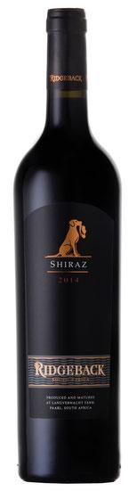 Ridgeback Shiraz – 2014  Der Ridgeback Shiraz 2013 hat intensive Aromen nach Sauerkirschen, süßen roten Früchten, Lakritz und schwarzem Pfeffer. Eleganter Körper mit gut eingebundenen Tanninen und einem langen saftigen Abgang. Reichen Sie ihn zu Steak, Sc