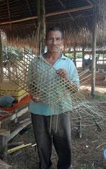 M. José Batis, artisan vannier Palikur à Macouria.