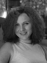 Liang Yu betreut die Geige beim Instrumentenkarussell in der Musikschule Musikplanet in Lüneburg
