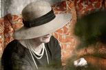 Inez Timmer als Coco Chanel