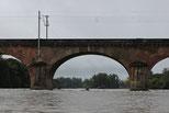 Eisenbahnbrücke & Wehr