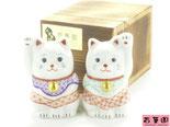 九谷焼『縁起置物』招き猫赤絵細描『木箱入り』
