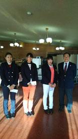 女子研修生の部 右から1位の松下奈央さん 中に竹内未来さん 左に志村優花さん