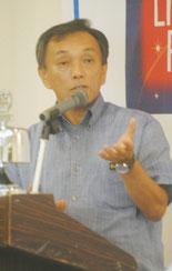 学力向上について講話する玉津教育長(27日午後)