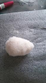 初めての羊毛フェルト いちごの作り方
