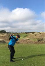 Martin kennt vor dem Abschlag seine Strategie für das zu spielende Loch - © Inspire your Golf