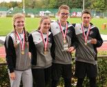 Gold für Jana, Mara, Sven und Fabio