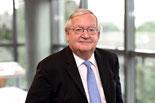 Patrick artus administrateur intervenant economique  contact