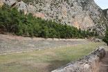 Le stade de Delphes situe en pleine montagne a 600 m d'altitude
