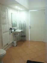 salle d'eau accessible aux PMR