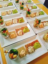 ロークラッカーとカシューチーズ&ピクルス