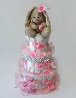 Зайка Ми с носочками- красивый тортик из памперсов для девочки.