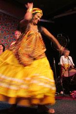 Dione Rodriguez tanzt Oxúm - Burghausen 2013