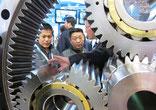 Chinesische Unternehmen schätzen Messen, da sie die Präsenz in relevanten Käuferkreisen sichern, persönlichen Kontakt ermöglichen und Vertragsabschlüsse erleichtern.