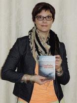 Lisa Gallauner mit ihrem neuen Werk. Foto: zVg