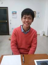 大学合格発表の当日のりょう先生。嬉しそうな笑顔が印象的でした。
