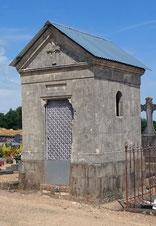 Chapelle familiale des Chaillou. Crédit photos : Mémoire des hommes et mairie de Parennes