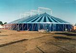 Zirkuszelt, Zirkuszelte, Circuszelt, Circuszelte, Palastzelt, Pagodenzelt, Messezelt, Bierzelt, Partyzelt, Bühnenzelt, Eventzelt, Zelt, Zelte, Zeltverleih, Zirkuszeltverleih, Circuszeltverleih, Verleih, Tribüne, Sitztribüne, Schalensitz, Schalensitze