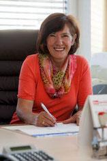 Erna Baumann, Sekretariat
