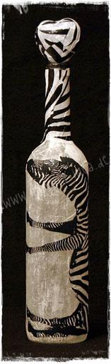 Weinflasche mit Zebra