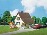 Siedlerhaus, Siedlungshaus, Einfamilienhaus, Plastik-Modellbausatz der Firma Faller, 130204
