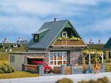Einfamilienhaus mit Garage, Plastik-Modellbausatz der Firma Auhagen, 11387