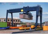 Container-Kran, Plastik-Modellbausatz der Firma Vollmer, 45624