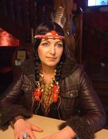 Als Indianer verkleiden sich einige Jecken beim Karneval in Bad Neuenahr.