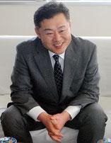 秋田から派遣され、八重山教育事務所を表敬訪問した鈴木教諭(2日午後)