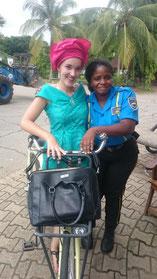 Referentin Hannah Drechsel in Nigeria