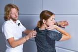 Engapssdehnung Faszienrollmassage Osteopressur Liebscher und Bracht Ernährung Lebensqualität Schmerzfreiheit schmerzfrei