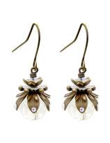 Marilla ° The Tiny Light ° Nachtleuchtende Ohrringe Kleine handgemachte Ohrringe mit Regenbogenstrass und kleiner transparenter Leuchtperle.     * Designed and Manufactured by Elfgard® Germany