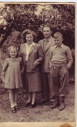 Josef mit Ehefrau Rachel und den Kindern David u. Ilana