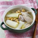 大豆と豚肉の煮込みスープ