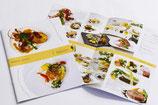 【婚礼料理パンフレット×結婚式場】高級感を表現するため白を基調にし、色数を抑えたシンプルなデザインにしました。料理の写真がより際立ち、臨場感あるパンフレットになりました。 (B5・12頁)