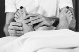 Fussreflexzonenmassage Fussmassage Hände massieren Fuss