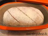 Brot mit Sauerteig in der Brotbackform Zaubermeister oder Ofenmeister von Pampered Chef aus dem Onlineshop