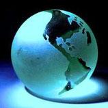 Die Größte Sehenswürdigkeit, die es gibt, ist die Welt - sieh sie dir an. Kurt Tucholsky
