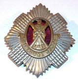 Cap badge The Royal Scots avec backing rouge 1st Battalion GB WW1/WW2