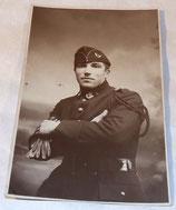 Carte postale photo d'un soldat du 16ème BCP Bataillon de Chasseurs à Pied français WW2