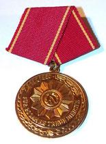 Médaille Fur 20 Jahre Treue Dienste NVA/DDR allemand