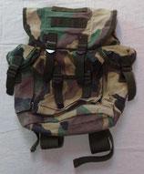 Petit sac à dos camouflé Woodland type Bundeswehr MIL-TEC