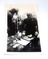 Photo soldats et accessoires médicaux Sanitater allemand WW2