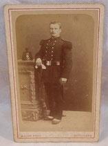 Photo soldat d'infanterie en grande tenue shako Angoulême français WW1