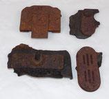Lot de quatre pièces détachées pour boitier de téléphone allemand WW2